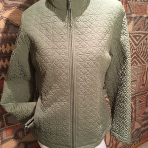 A substantial weight quilted jacket olive green, S